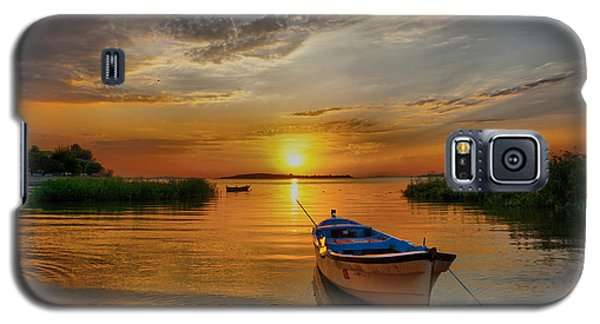 Sunset Over Lake Galaxy S5 Case