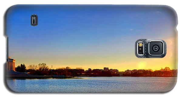 Sunset Over The Jefferson Memorial  Galaxy S5 Case by Olivier Le Queinec
