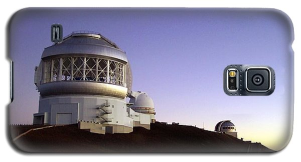 Galaxy S5 Case featuring the photograph Sunset Over The Mauna Kea Observatories On Kona by Amy McDaniel