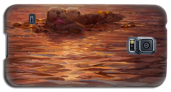 Galaxy S5 Case featuring the painting Sunset Snuggle - Sea Otters Floating With Kelp At Dusk by Karen Whitworth