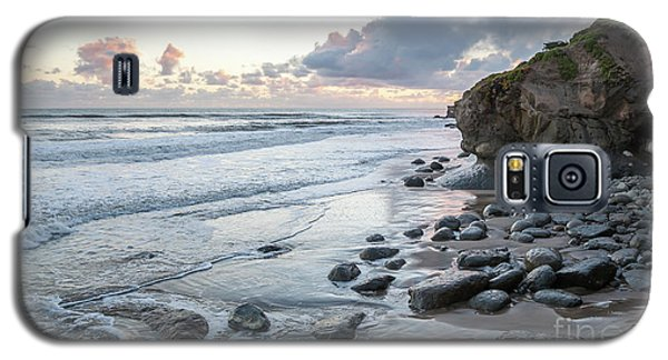 Sunset View In The Distance With Large Rocks On The Beach Galaxy S5 Case