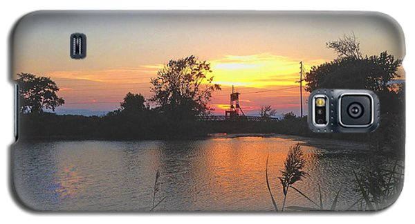 Galaxy S5 Case featuring the photograph Sunset West Of Myer's Bagels by Felipe Adan Lerma
