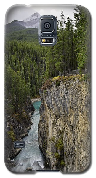 Sunwapta Falls Canyon Galaxy S5 Case by John Gilbert