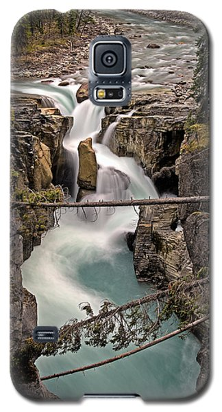 Sunwapta Falls Galaxy S5 Case by John Gilbert