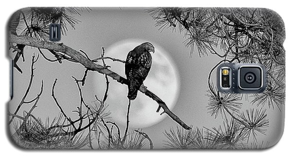 Galaxy S5 Case featuring the photograph Super Moon Hawk by Kevin Munro