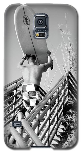 Surfer Ascending Stairs, San Diego, California  -74698-bw Galaxy S5 Case