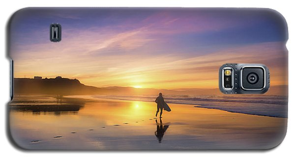 Surfer In Beach At Sunset Galaxy S5 Case