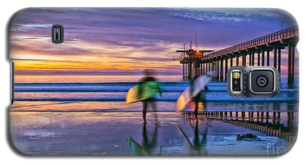 Surfers At Scripps Pier In La Jolla California Galaxy S5 Case