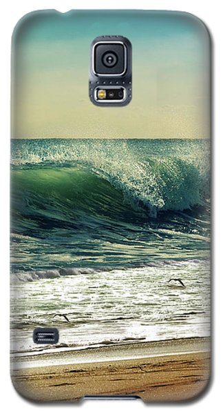 Galaxy S5 Case featuring the photograph Surf's Up by Laura Fasulo