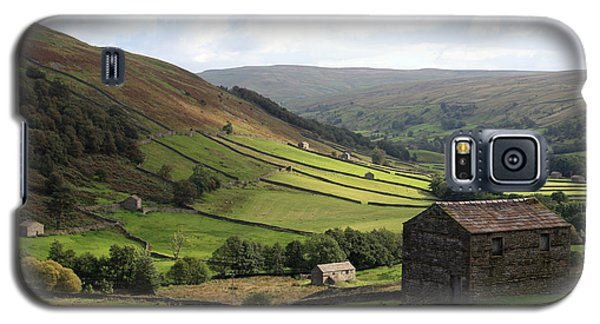Galaxy S5 Case featuring the photograph Swaledale  Yorkshire Dales by Paula Guttilla