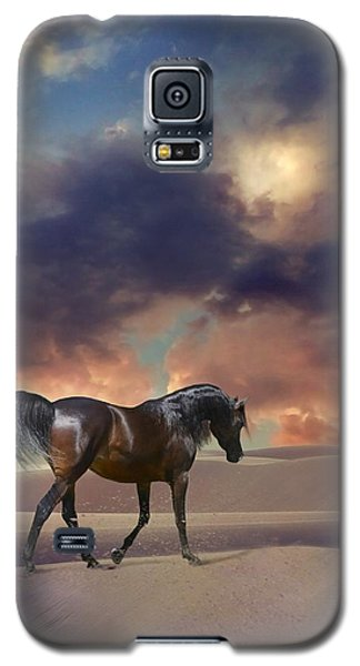 Galaxy S5 Case featuring the digital art Swan Of Desert by Dorota Kudyba