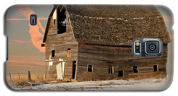 Swayback Barn Galaxy S5 Case by Kathy M Krause