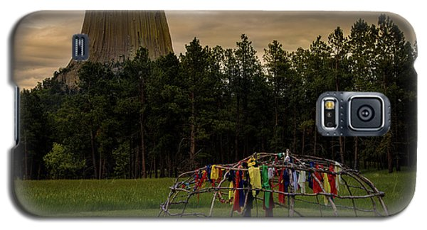 Galaxy S5 Case featuring the photograph Sweat Lodge At Devil's Tower by Gary Lengyel