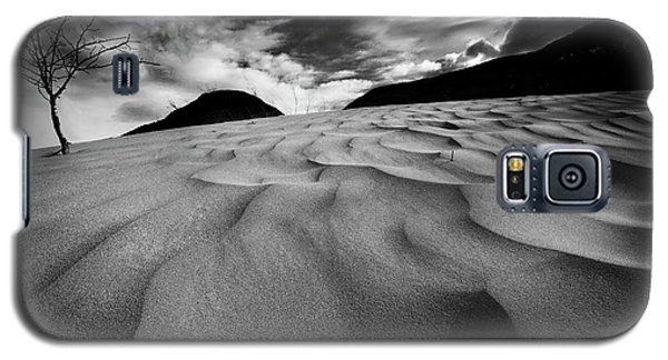 Galaxy S5 Case featuring the photograph Swerves And Curves In Jasper by Dan Jurak