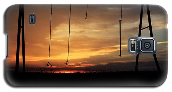 Swingset Sunset Galaxy S5 Case by Christopher McKenzie