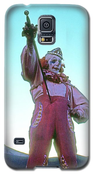 Galaxy S5 Case featuring the photograph Sword Swallower by Laurie Stewart