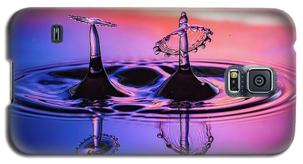 Galaxy S5 Case featuring the photograph Synchronized Liquid Art by William Lee