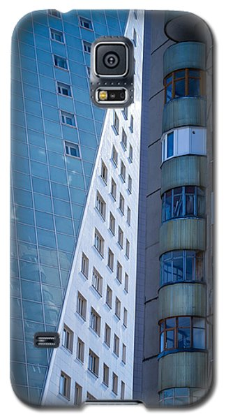 Galaxy S5 Case featuring the photograph Synergy Between Old And New Apartments by John Williams