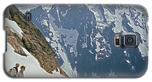 T-04402 Fred Beckey And Joe Hieb After First Ascent Forbidden Peak Galaxy S5 Case