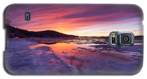 Galaxy S5 Case featuring the photograph T H A W by Robert Clifford