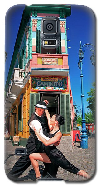 Galaxy S5 Case featuring the photograph Tango At Caminito by Bernardo Galmarini