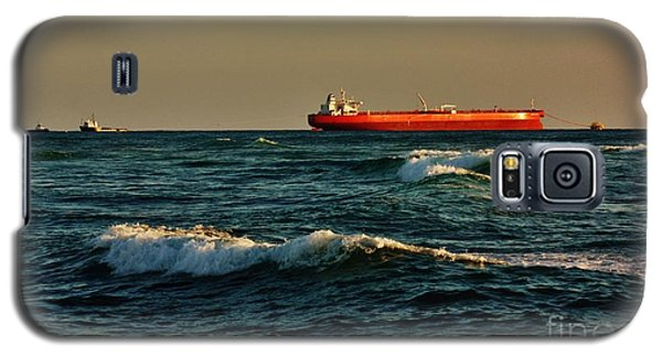 Galaxy S5 Case featuring the photograph Tanker Nordic Zenith by Craig Wood