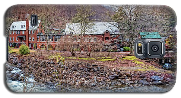 Galaxy S5 Case featuring the photograph Tapoco Lodge by Debra and Dave Vanderlaan