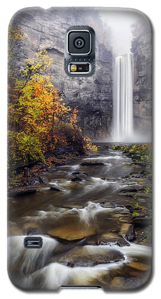 Galaxy S5 Case featuring the photograph Taughannock Fog by Mark Papke