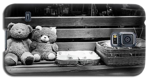 Teddy Bear Lovers On The Bench Galaxy S5 Case by Yoel Koskas