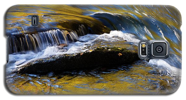 Galaxy S5 Case featuring the photograph Tellico River - D010004 by Daniel Dempster