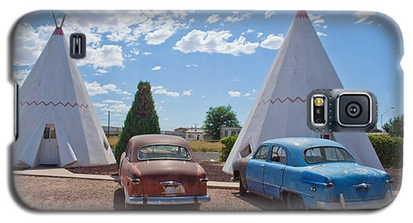 Tepee With Old Cars Galaxy S5 Case by Matthew Bamberg