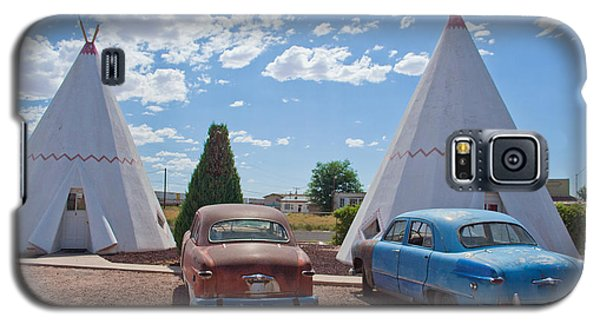 Tepee With Old Cars Galaxy S5 Case