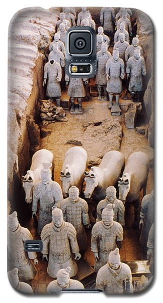 Galaxy S5 Case featuring the photograph Terracotta Army by Heiko Koehrer-Wagner