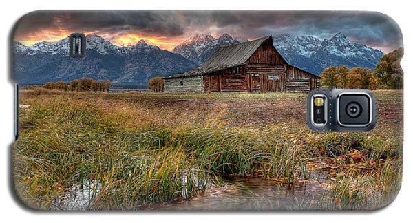 Teton Nightfire At The Ta Moulton Barn Galaxy S5 Case