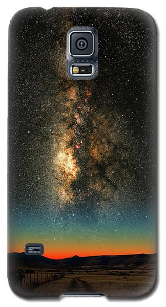 Galaxy S5 Case featuring the photograph Texas Milky Way by Larry Landolfi