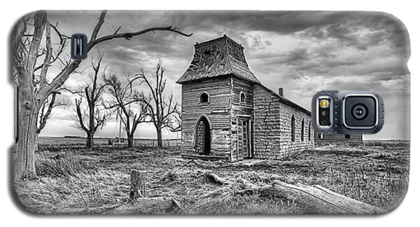 Galaxy S5 Case featuring the photograph That Old Time Religion Black And White by JC Findley