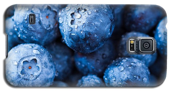 Galaxy S5 Case featuring the photograph That's The Blues by Yvette Van Teeffelen