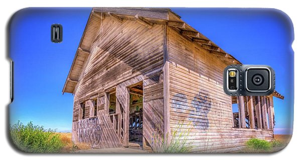 The Abandoned School House Galaxy S5 Case by Spencer McDonald