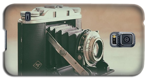 Galaxy S5 Case featuring the photograph The Agfa by Ana V Ramirez