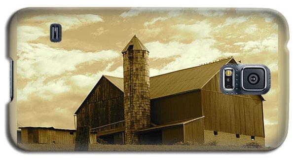The Amish Silo Barn Galaxy S5 Case