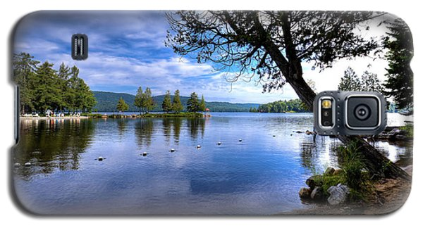 Galaxy S5 Case featuring the photograph The Beach At Covewood Lodge by David Patterson