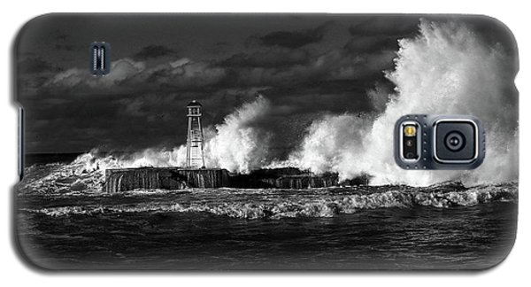 Galaxy S5 Case featuring the photograph The Big One by Nareeta Martin