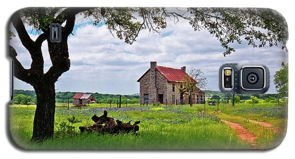 Galaxy S5 Case featuring the photograph The Bluebonnet House by Linda Unger