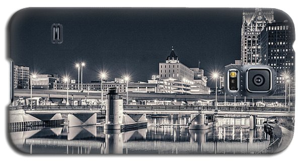 Galaxy S5 Case featuring the photograph The Bright Dark Of Night by Bill Pevlor