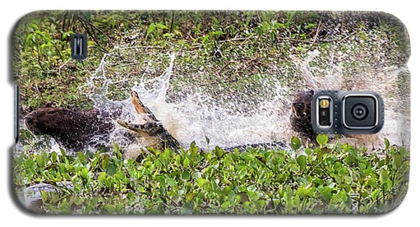 Galaxy S5 Case featuring the photograph the Chase by Wade Aiken