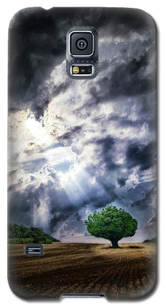 Galaxy S5 Case featuring the photograph The Chosen by Mark Fuller