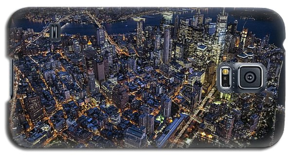 Galaxy S5 Case featuring the photograph The City That Never Sleeps by Roman Kurywczak
