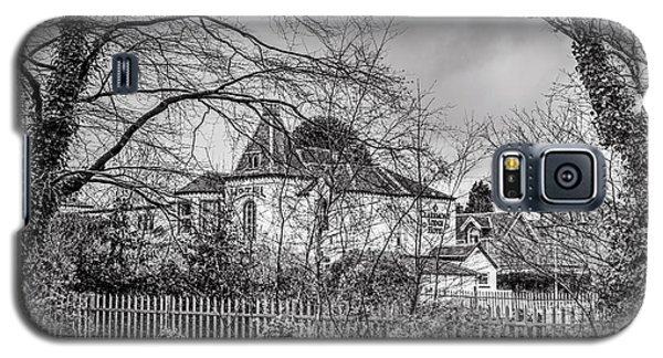 Galaxy S5 Case featuring the photograph The Claremont by Jeremy Lavender Photography