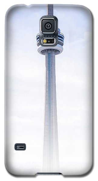 Galaxy S5 Case featuring the photograph The Cn Tower by Anthony Rego
