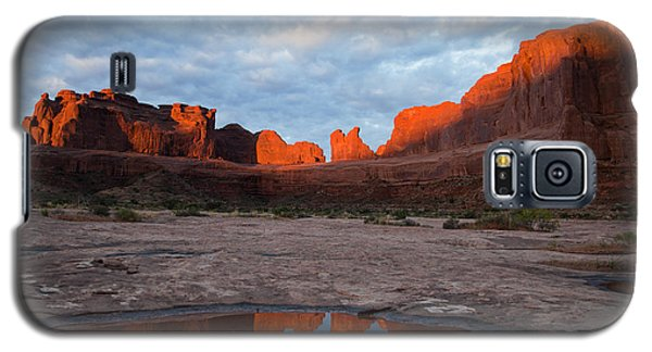 The Color Of Sunrise In Arches Galaxy S5 Case